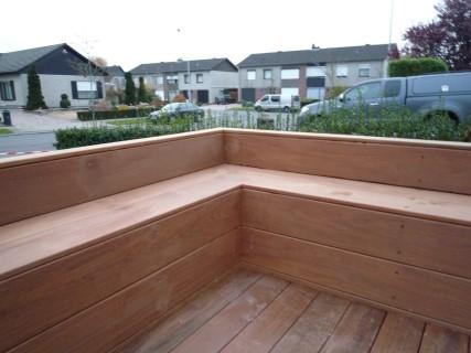 ipe terras met zitbanken